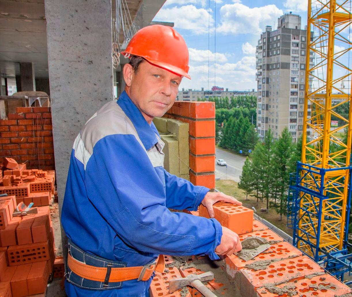 Сергей Николаев - специалист по отделке помещений